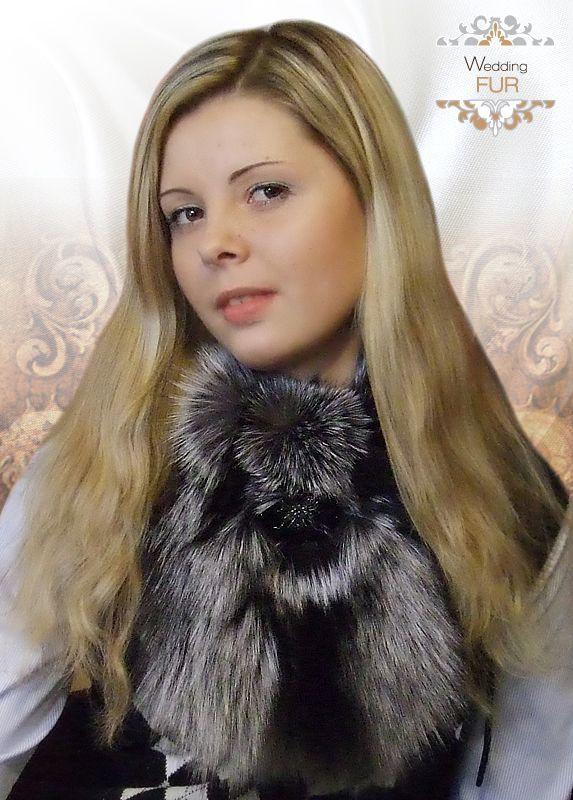 Манишка (воротник) из меха с.-черной лисы. Дизайнер- Скорнякова О.Л.